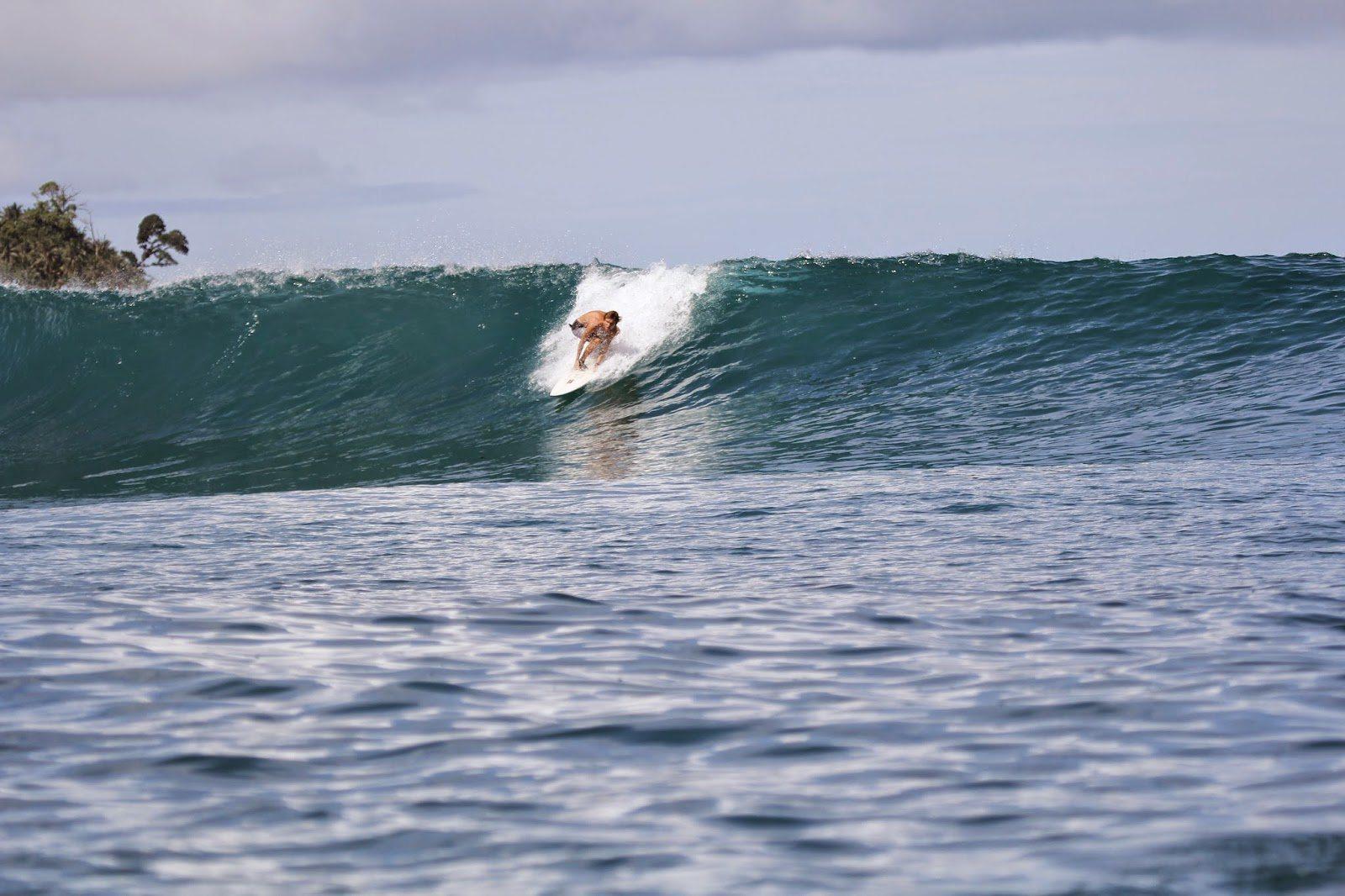 surfing surffaus härmäsurf härmä lainelautailu suomi suomisurf lainelauta surffaaja surffaaminen kesä meri aurinko